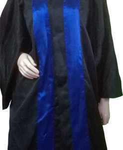 Students_Convocation-gown_670_750grms.jpg